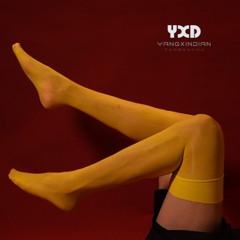 جوارب جديدة ومثيرة للرجال بلون الحلوى هدية للرجال لامعة حريري زيتي شفاف جوارب رجالي ملابس داخلية غريبة فوق الركبة جوارب الفخذ