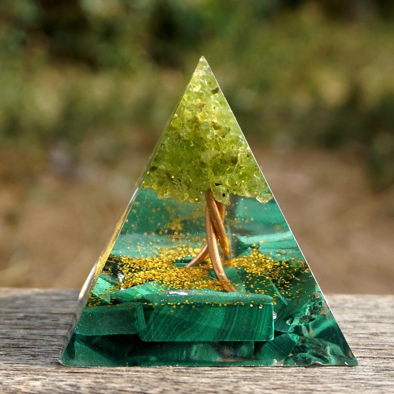 A mão árvore da vida orgone pirâmide 50mm peridot & malachite energia cura chakra reiki meditaiton ferramenta