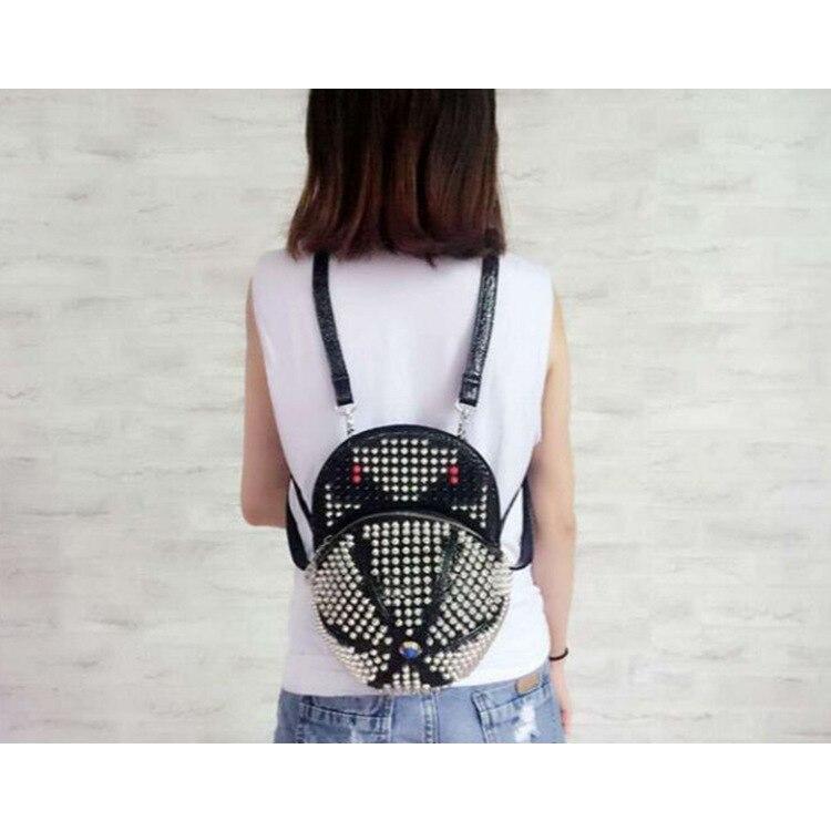¡Nuevo estilo de 2020! Bolso de mujer con remaches, bolso de mano con diseño de uña, bolso cruzado
