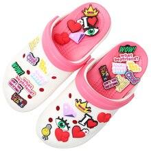 Accessori per scarpe borsa per abbigliamento Love Peace Charms per scarpe Cool Wow Red Heart decorazione per scarpe per Croc Jibz Kids Party regali di natale