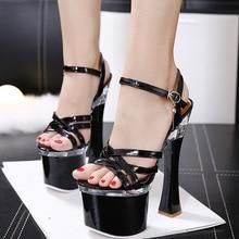 2020 Style coréen noir argent couleur fête de mariage plate-forme poisson bouche chaussures femmes été cristal talons carrés sandales TWS037