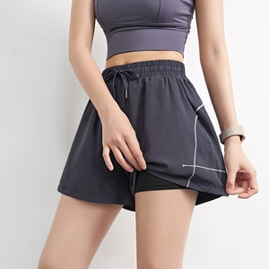 Sports shorts female fake two pieces of anti-empty loose fitness running pants outer penetration and thin yoga pants summer