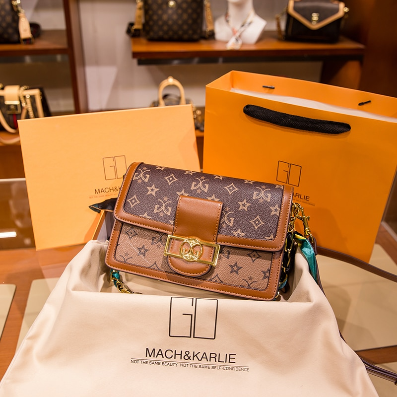 2021 New Fashion Chain Shoulder Messenger Bags High Quality Small Square Bags Niche Designer Women Purse and Handbags Sac A Main