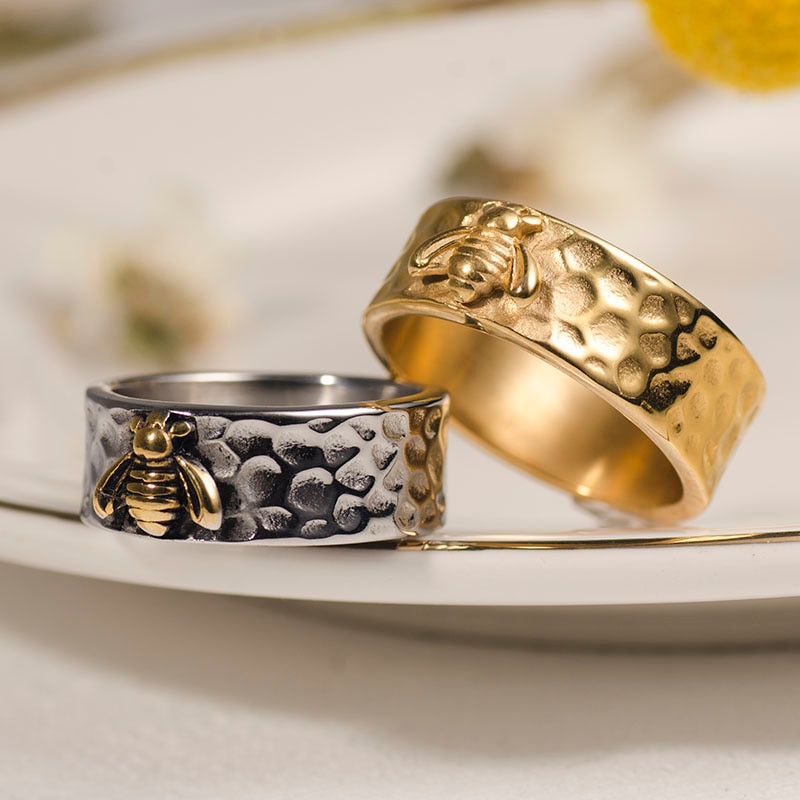 Valily New Arrival Bee Ring Gold Color Stainless Steel Vintage Round Stacking Rings for Women Men Wedding Bands Ring Jewelry tailor made luxury western rose gold color inlay health surgical stainless steel wedding bands rings sets