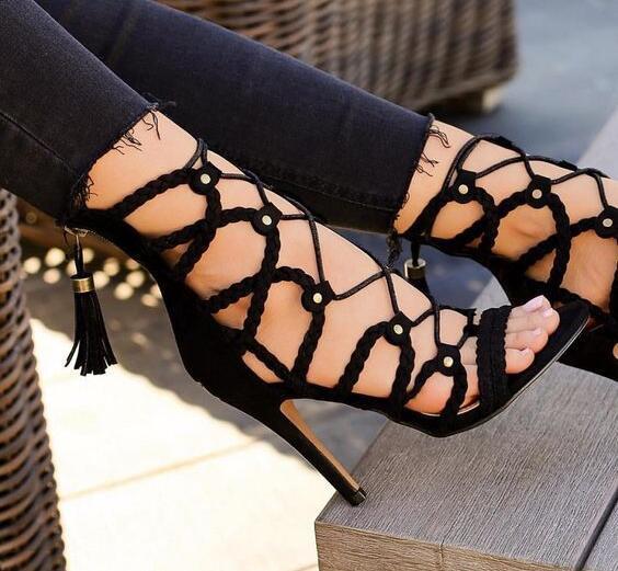 Dipsloot negro Sexy Cruz cordones Up Cage sandalias cubierta de mujer talón borla remaches espalda Peep Toe fino Sandalias con tacón Zapatos Señora