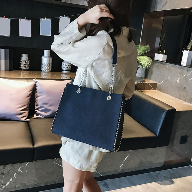 CROWDALE Chain shoulder bag Famous designer rivet handbags Women's luxury messenger bags for women b