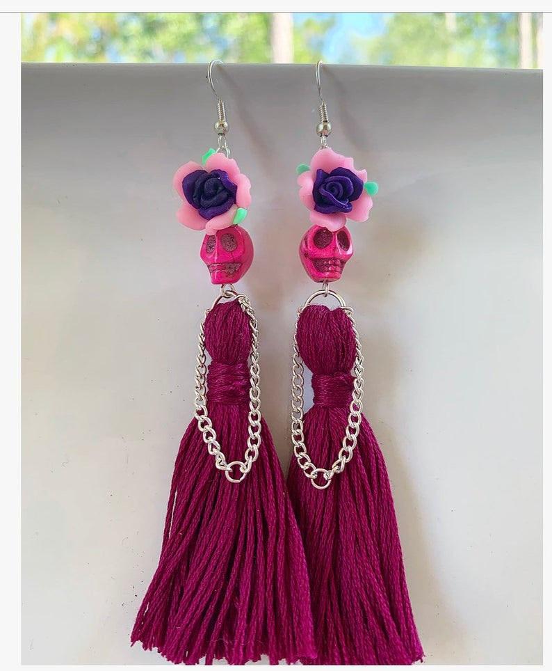 Nuevos pendientes colgantes de calaveras rosas con borlas largas, Calavera gótica, pendientes de gota, nueva moda para mujer, joyería del Día de los muertos