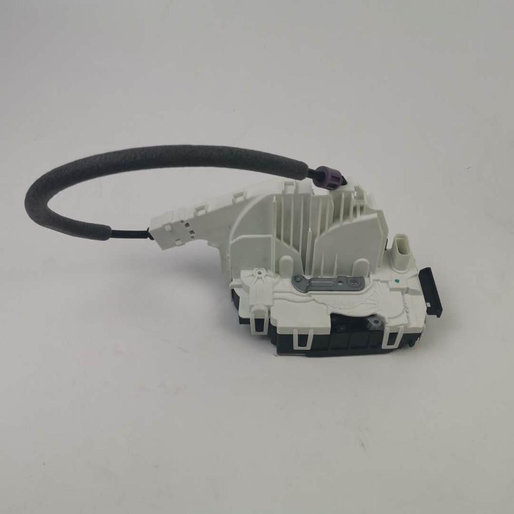 Door Lock Actuator Front left A2047201535 for Benz X204 E500 C200 C180 C250 E300 C250 E350