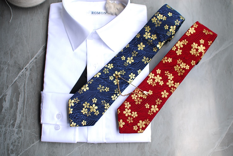 Free Shipping New male fashion men's man Fashion Wave design gold print series necktie wedding host Western bow Tie European