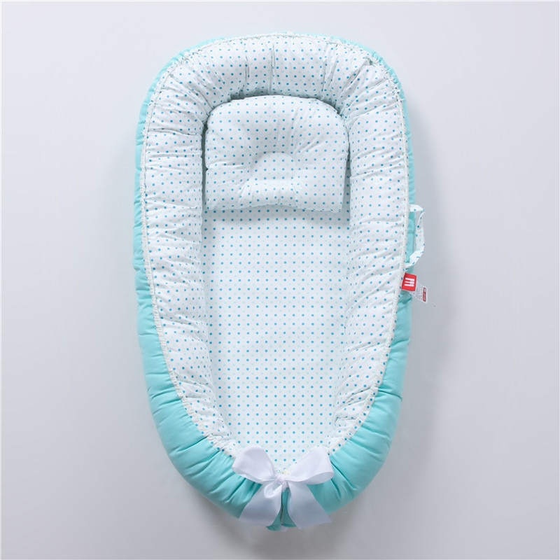 2021 Foldable washable portable pressure-resistant crib in-bed bionic full-discharge baby pillow crib 50-85cm
