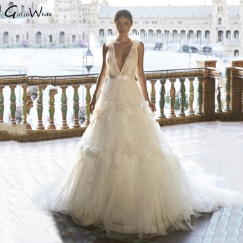 Tiered A-line Tulle Wedding Dress Tank Sleeve Deep V Neck Bridal Gowns Bride Dresses Sleeveless Sweep Train  Robe De Mariee