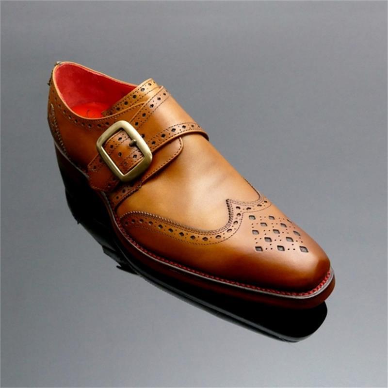 جديد الرجال الموضة الأعمال عادية اللباس الرسمي الأحذية اليدوية بلون بولي PU الجوف منحوتة مشبك مزاجه الراهب الأحذية 3KC473