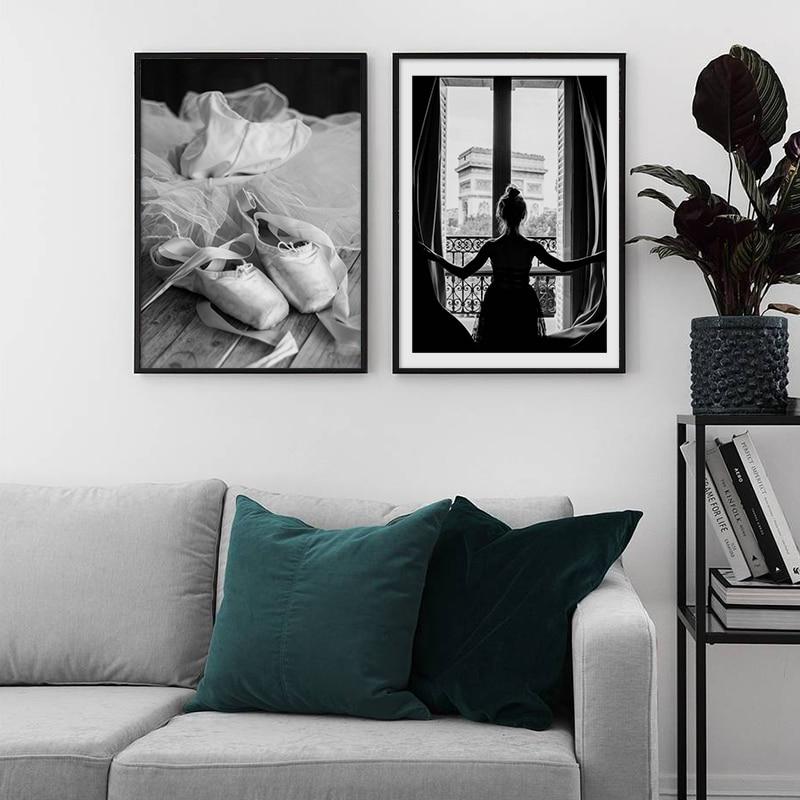 Carteles nórdicos y estampados negro blanco París chica ventana Ballet zapatos lienzo pintura pared arte cuadro decorativo para sala de estar