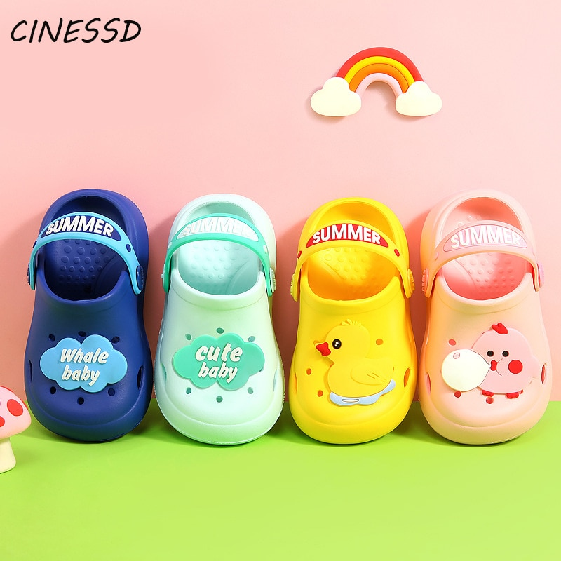 Zapatillas de Niños de dibujos animados, zapatos con agujero para niño, zapatos de playa bonitos para niño y niña, sandalias antideslizantes para primavera y verano, zapatillas de niños estilo ins