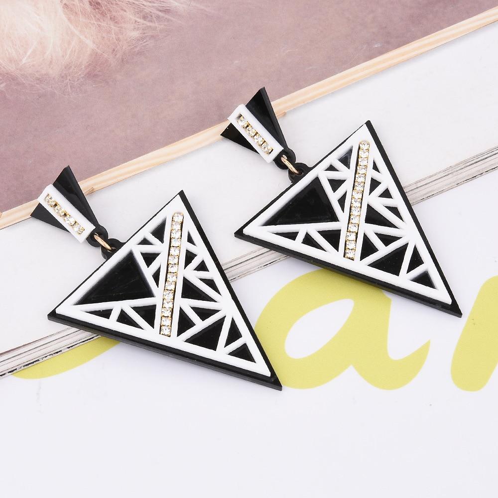 Pendientes de joyería de moda triángulo fresco acrílico rayado Cristal de incrustación pendientes de vanguardia diferentes calles pendientes Coreanos