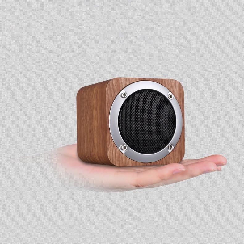 ريترو خشبي راديو FM بلوتوث متوافق المتكلم المحمولة عالية الدقة بطاقة صغيرة مضخم الصوت دعم TF بطاقة AUX اللعب