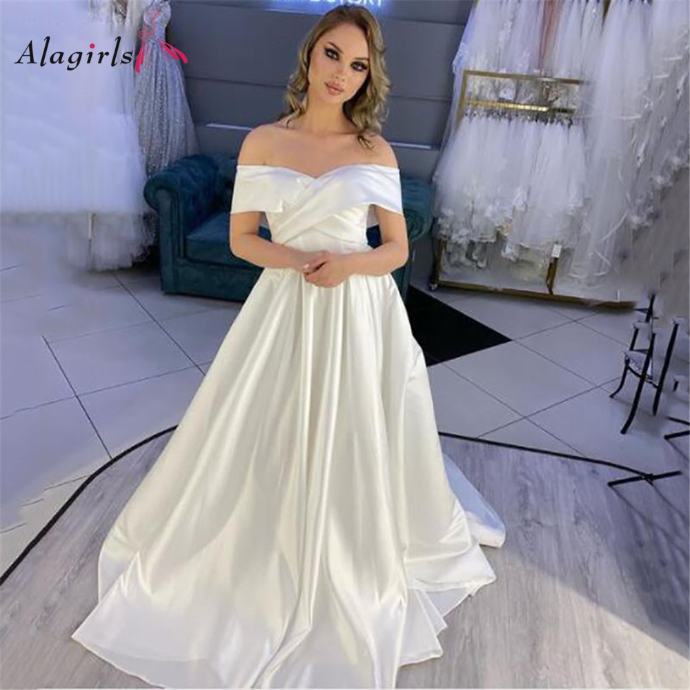 Lace Up Wedding Party Dress Satin Sweetheart Bridal Dress Court Train Bridal Gown Charming Floor-Length Wedding Gown Custom Made