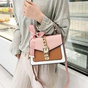 New small square bag ladies bag 2020 new Korean version of the wild fashion handbag silk scarf shoulder messenger bag