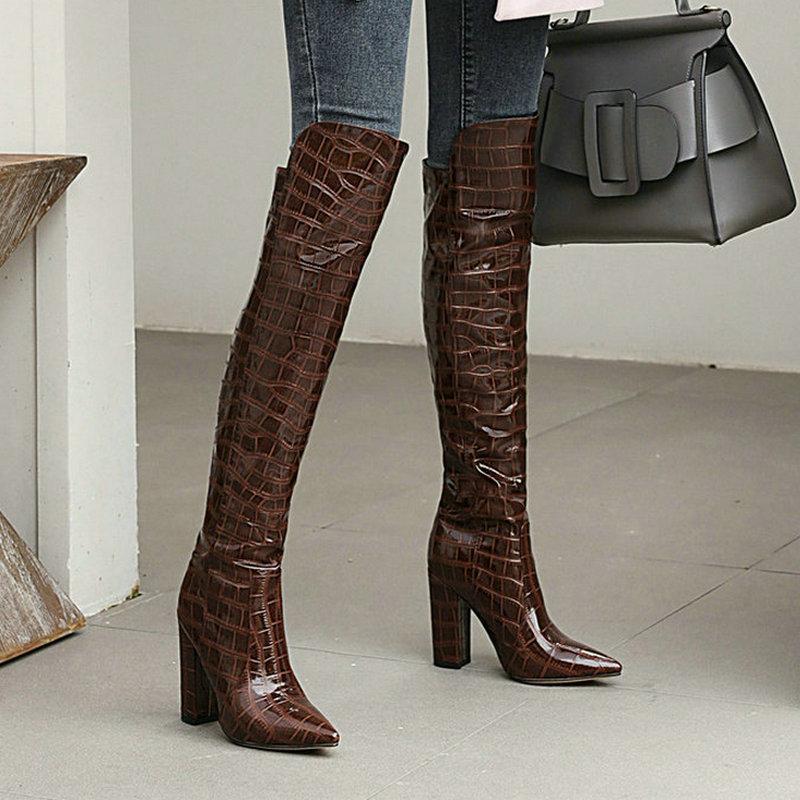 أسود براون النبيذ الأحمر الأبيض النساء فوق الركبة الأحذية براءات بولي PU جلد النساء أحذية الشتاء موضة أشار تو ساحة كعب الأحذية
