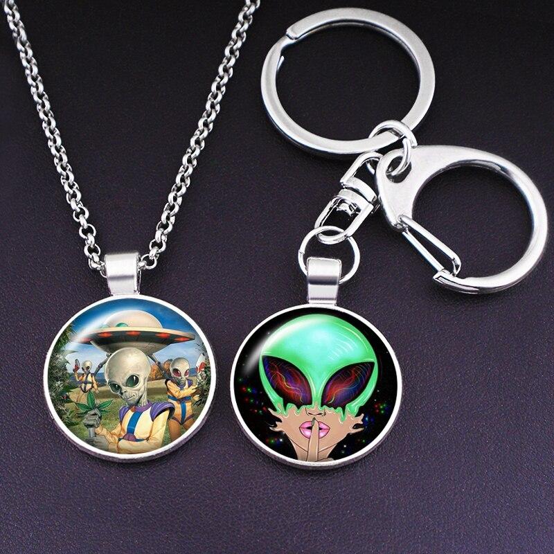 E.T Alien extraterrestrial GREEN   photo glass cabochon keychain Bag Car key Necklace Men Women Gifts  K538