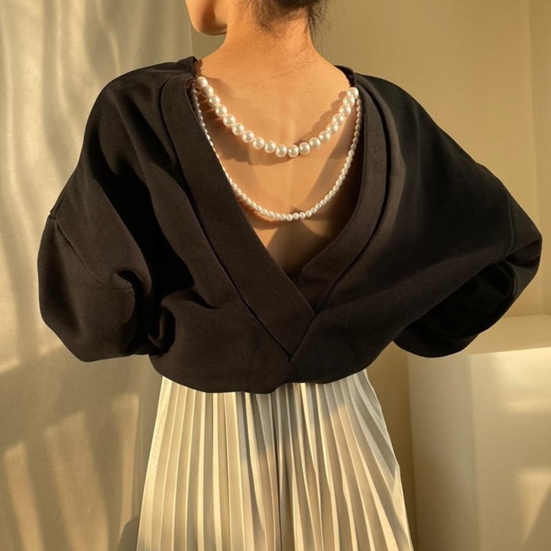 Korean Women's Top Chic Autumn Round Neck Careful Backless Pearl Chain Decorative Pullover Loose Lon