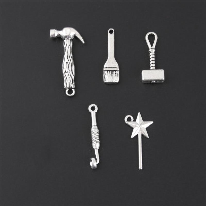 Juego de 10 Uds. De llaves inglesas de Color plateado, martillo, herramienta de trabajador fabricación de joyería de colgantes DIY, accesorios hechos a mano M52