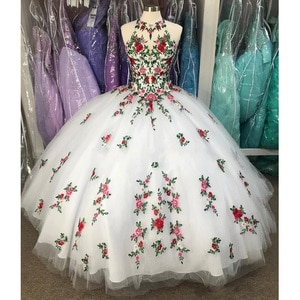 Luxury Embroidery Illusion Open Back Ball Gown Quinceanera Dresses Sleeveless Sweet 16 Prom Dress vestidos de 15 años