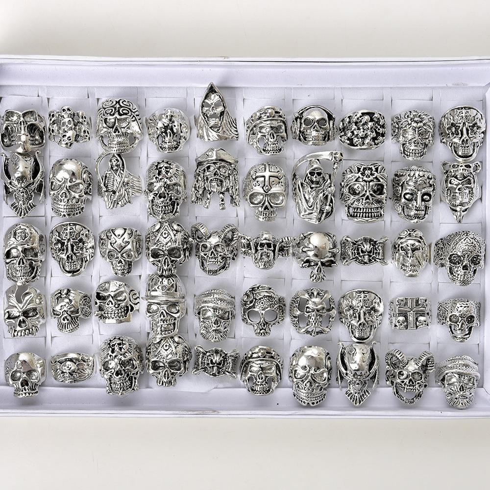 Venta al por mayor 50 unids/lote de anillos de Metal de Estilo Vintage gótico, plateado, con diseño de calavera Punk, joyería de Metal para motorista, tamaños de 18mm a 21mm