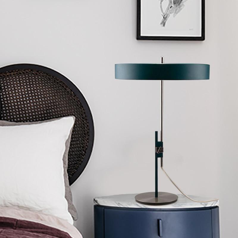 مصباح طاولة على الطراز الاسكندنافي الحديث ، فاخر ، لغرفة النوم ، طاولة بجانب السرير ، غرفة المعيشة ، الطراز الشمالي والأوروبي