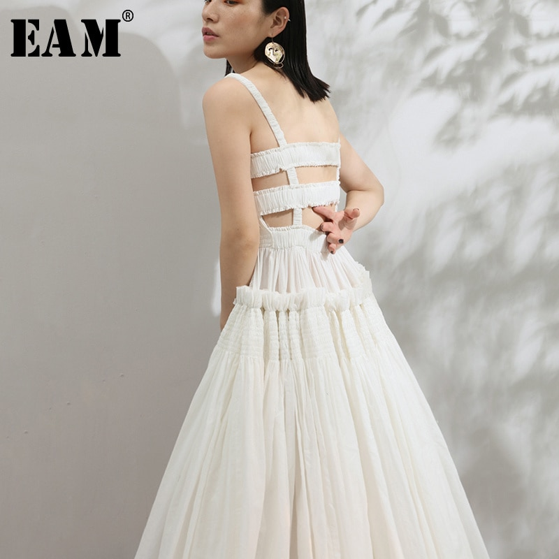 [EAM] فستان صيفي جديد 2021 بدون حمالات بظهر مكشوف ذو طيات مربعة ذو حافة كبيرة رفيعة باللون الأبيض للنساء موديل JF548