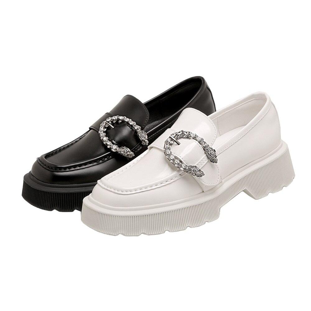 SUMAITONG-حذاء موكاسين نسائي بنعل سميك ، حذاء موكاسين نسائي غير رسمي ، حذاء مسطح ناعم ومقاوم للانزلاق ، مزخرف معدني بمقدمة مربعة