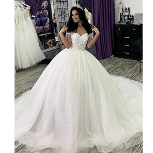 Ball Gown Wedding Dresses Off Shoulder Court Train Lace Tulle Short Sleeve Glamorous Sparkle & Shine with Lace Appliques