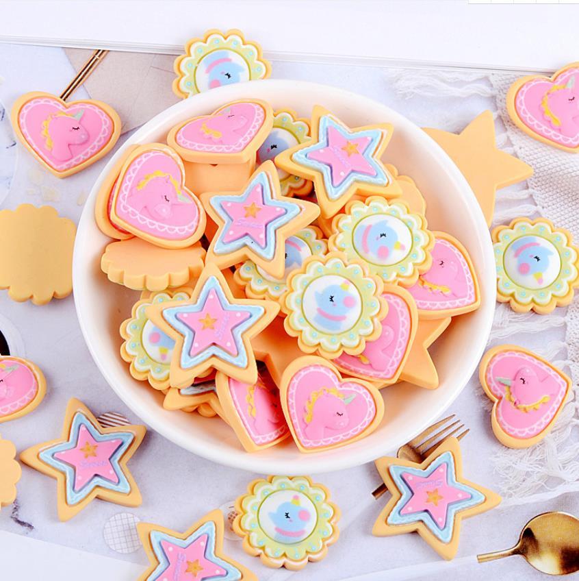 Galletas de resina de dibujos animados unicornio Flatback cabujón Kawaii DIY artesanía decoración en miniatura resina corazón estrella doble galleta, pan Food