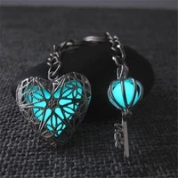 2pcs set of couple keychains glow in the dark keychains valentines day gift good friend souvenir wedding party jewelry