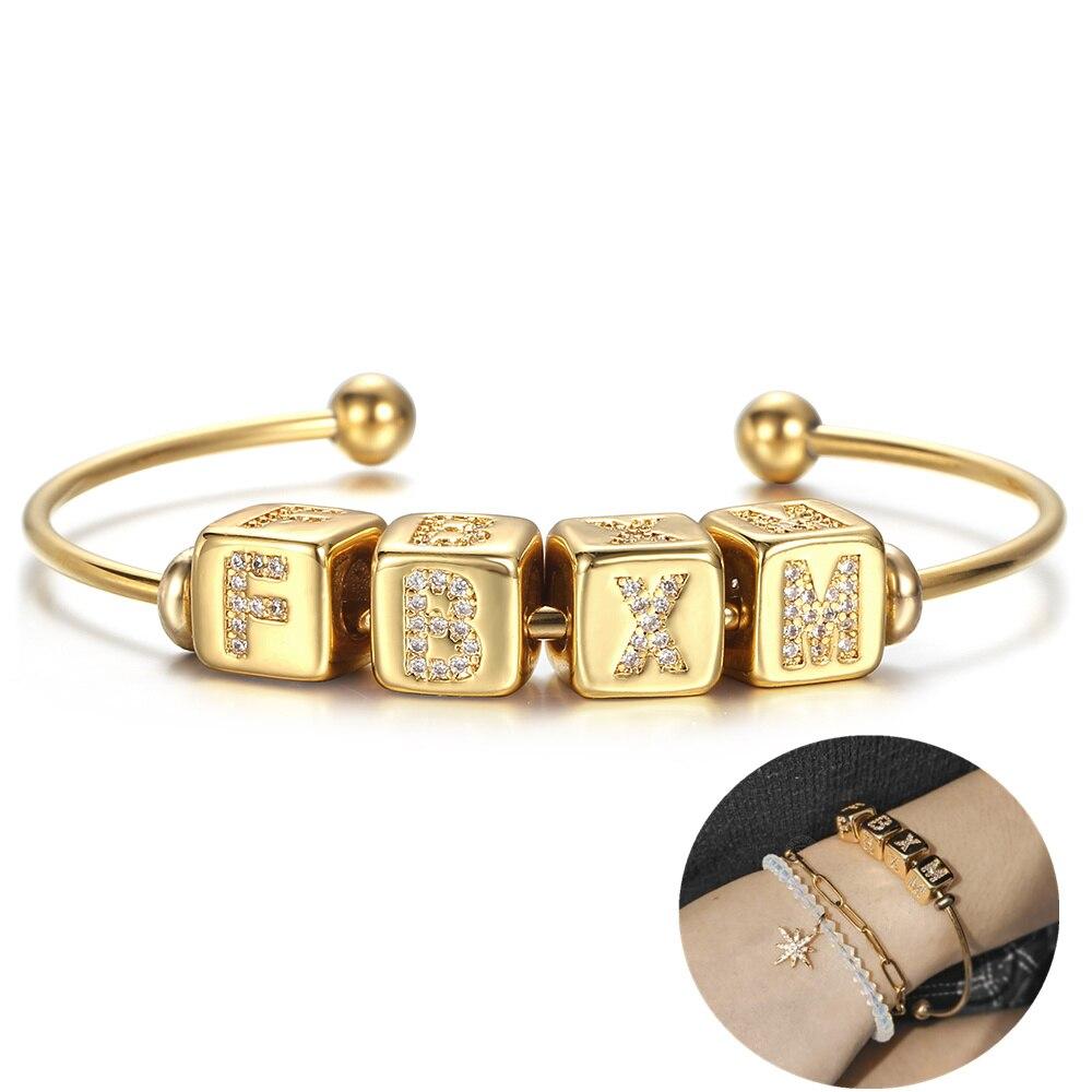 Gold Farbe Öffnung Manschette Armreif Frauen Männer Mikro Pflastern CZ A-Z Initial Brief Würfel Charms Name Armband Besonderes Geschenk für ihre DB305