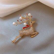 Korean Mode Perle Kleine Deer Broschen für Frauen Kristall Sika Deer Tier Revers Pins Luxulry Jewley Kleidung Zubehör