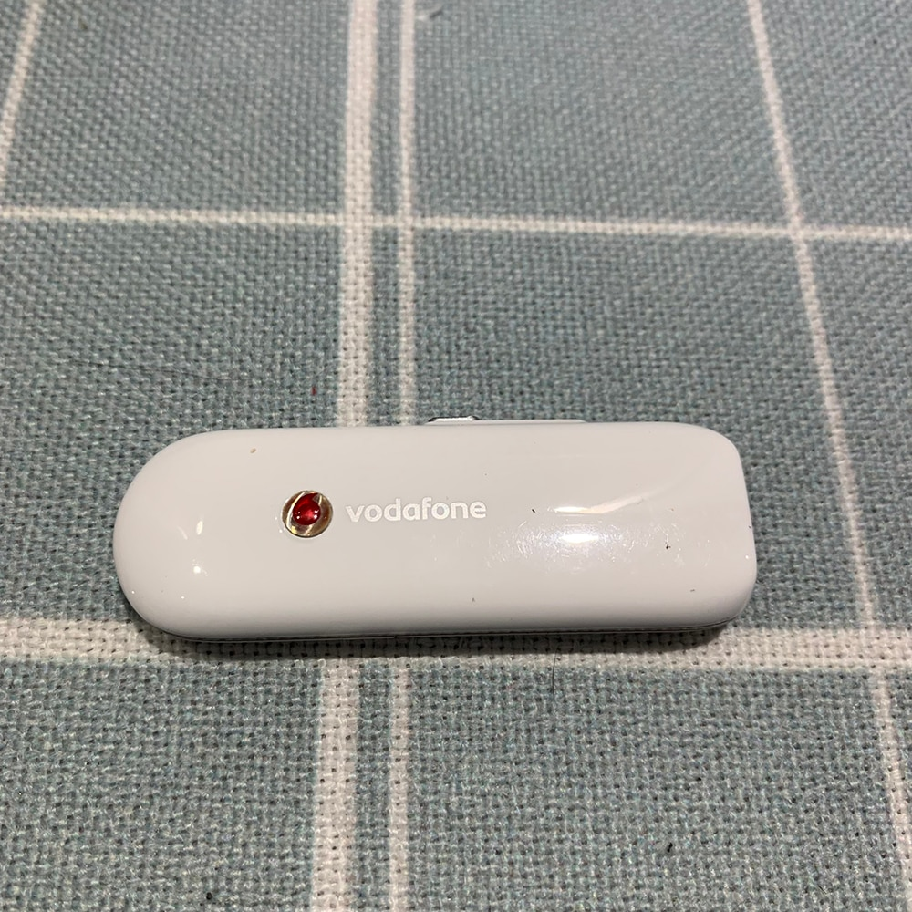 Used Huawei K3715 ZTE K3565-Z 3G USB Dongle Modem With Vodafone Logo PK (K3565,K4505,K3805,K4511,E180,E160,E161,E160E,E1820)