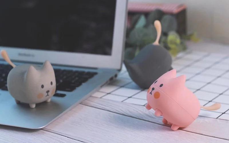 The latest OEM cute cat animal mini portable bluetooth speaker enlarge