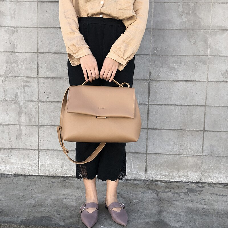 2020 New Large Capacity Women's Casual Solid Color Shoulder Messenger Bag
