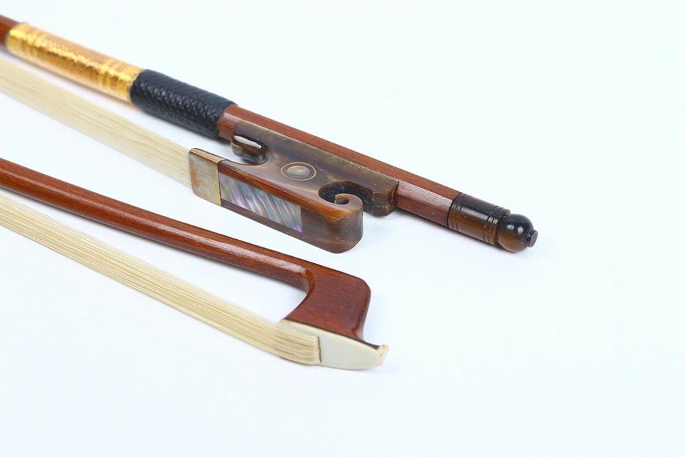 Violin Bow 4/4 Brazil wood Straight bone Frog AAA horse Hair Yinfente #R32