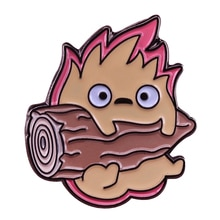 Mignon Calcifer bois badge Howls mobile château broche drôle feu démon badge anime Geek gamer accessoire