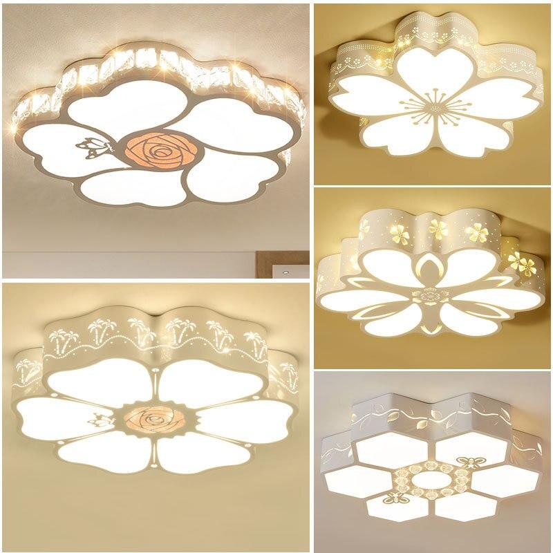 مصباح سقف غرفة نوم LED ، تصميم إبداعي بسيط ورومانسي مع زهرة دافئة