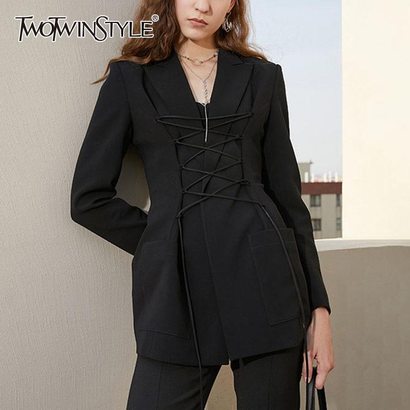 TWOTWINSTYLE خليط حزام معطف المرأة التلبيب طوق كم طويل أسود اللون عالية الخصر التخسيس للإناث معاطف موضة 2021