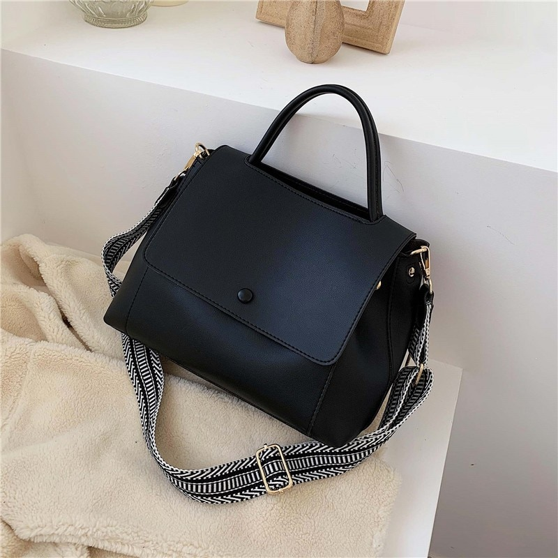 Fashion Simply PU Leather Crossbody Bag For Women 2021 Winter Solid Color Shoulder Messenger Bag Lady Chain Travel Small Handbag
