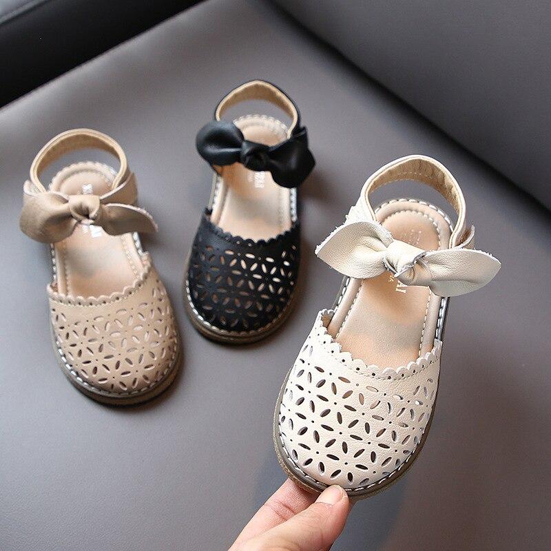 جديد صنادل باوتو للبنات أحذية أطفال صيفية بنعل ناعم أحذية شاطئ للأميرة مسطحة للأطفال في سن الحبو أحذية 02