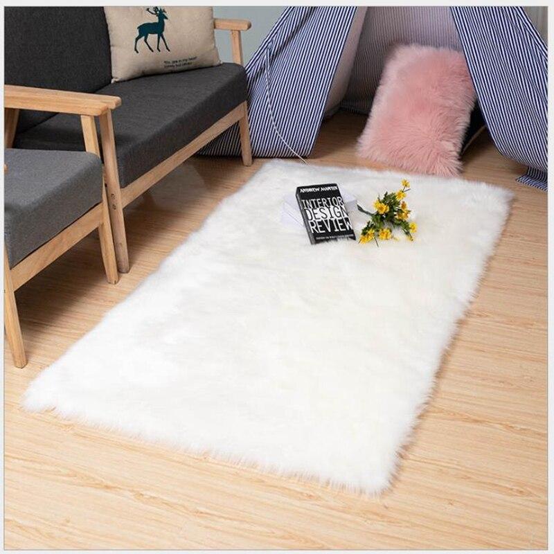 سجادة مستطيلة من الصوف الصناعي ، إكسسوار أرضي من جلد الغنم الأبيض المقلد لغرفة المعيشة وغرفة النوم