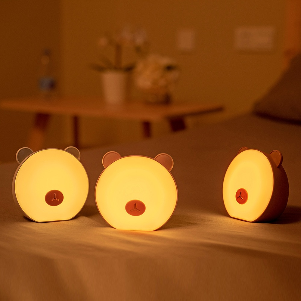 LED الإبداعية الصغيرة ليلة ضوء السرير غرفة نوم تغذية ضوء مصباح الليل الصغيرة لطيف الدب متعددة الوظائف مصباح الليل
