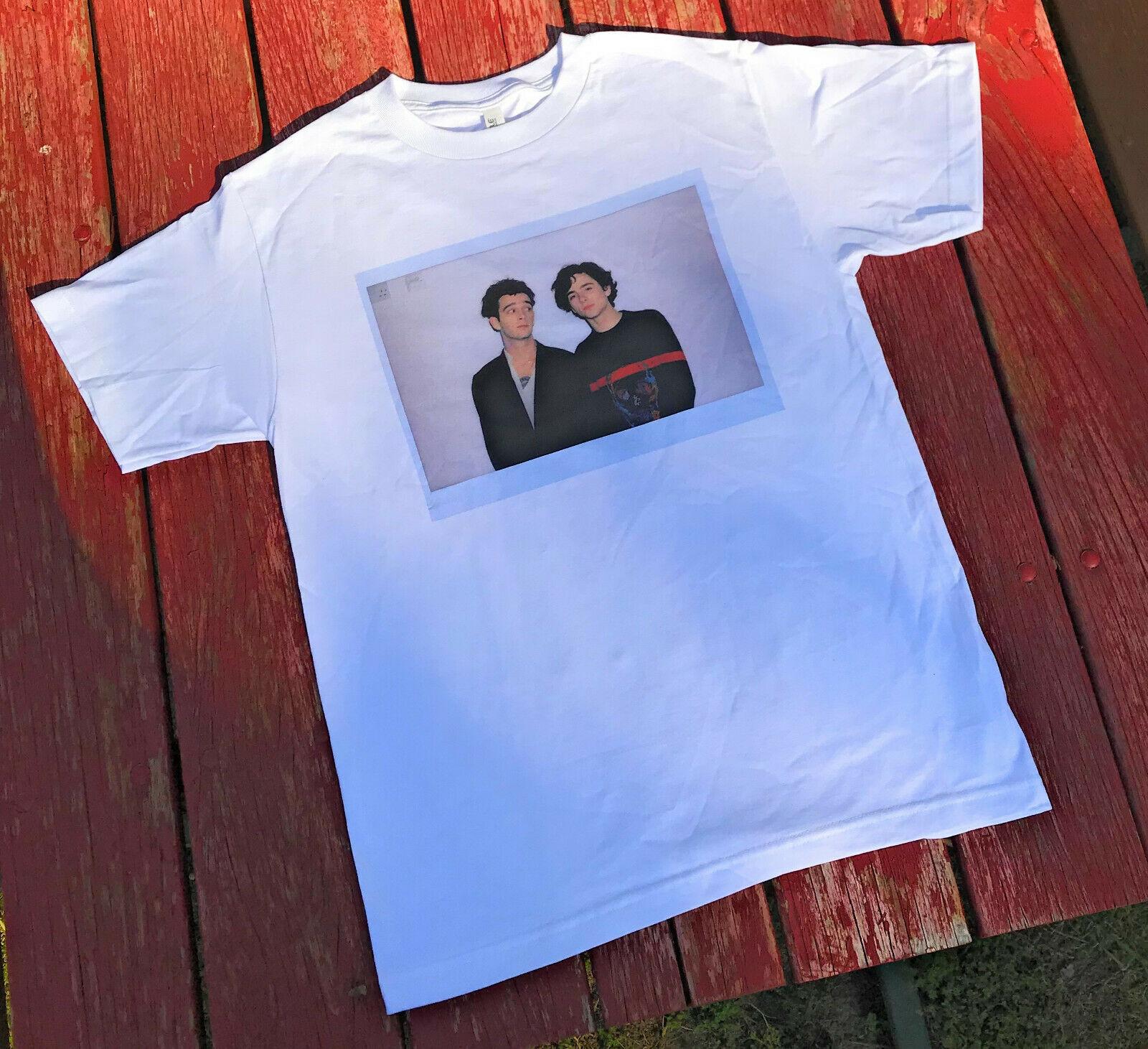 Camiseta de manga corta para hombre con diseño mate Healy y Timothee Chalamet inspirado en 1975