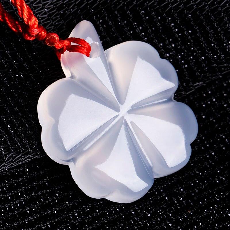 Collar con colgante de trébol de ágata blanca Natural de Calcedonia, amuleto de joyería de moda tallado, regalos para mujeres y hombres, cadena de suéter