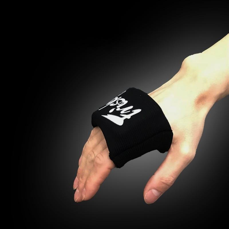 2 teile/los Starke hand faust spitzen schutz pad gel MMA Taekwondo boxen jab training handgelenk SBR Taekwondo digitalen gemeinsame unterstützung